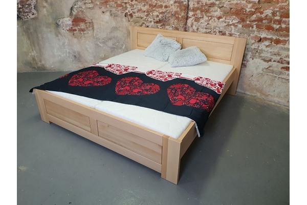 Masivní postel DUB DANA