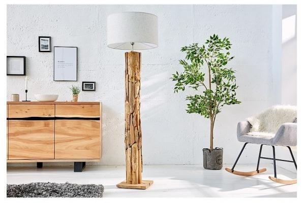 Stojací lampa s rámem z naplaveného dřeva