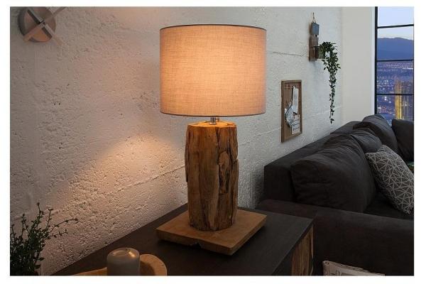 Stolní lampa z kořenů