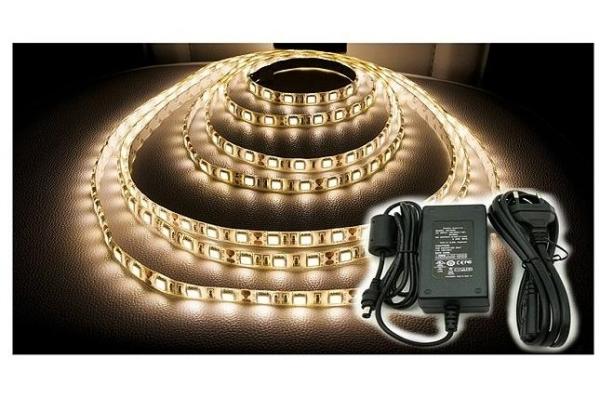 BERGE LED pásek - SMD 5050 - 5m - 300/5m - 14,4W/m - teplá bílá + konektor a zdroj