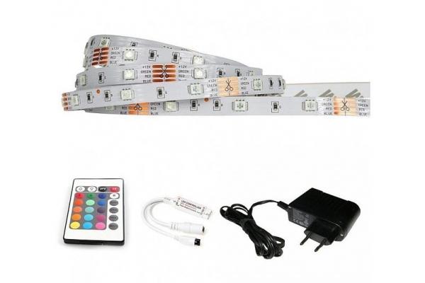 BERGE LED pásek - RGB 5050 - 2,5m - 30LED/m - 18W - IP65 - SADA