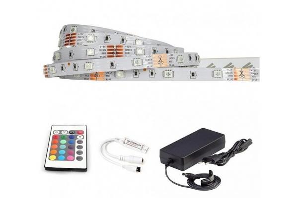BERGE LED pásek - RGB 5050 - 5m - 30LED/m - 7,2W/m - IP20 - komplet