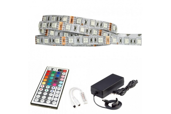 BERGE LED pásek - RGB 5050 - 2,5m - 60LED/m - 14,4W/m -IP20 - komplet - ovládání 44 tlačítek